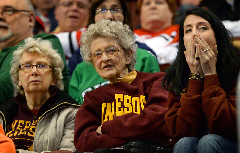 NCAA: Gophers Edge UND In Frozen Four Semis On Low-scoring Senior Justin Holl's Shortie With 0.6 Seconds To Go