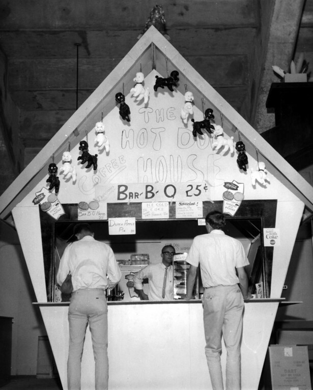 . The Hot Dog House n the Coliseum at the Minnesota State Fair, 1964. Photo courtesy of the Minnesota State Fair.