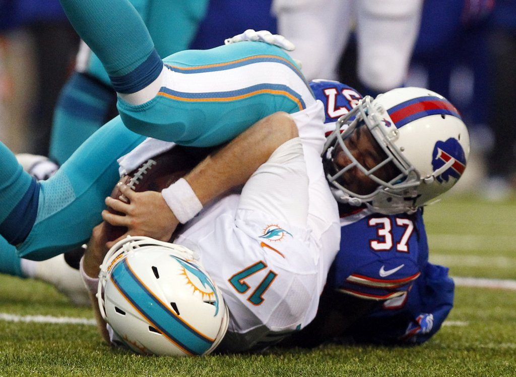 . <p><b> Jets at Dolphins (-6½):</b>  <p>Miami is somehow in line for a wild card playoff berth despite its 19-0 shutout loss to Buffalo on Sunday. Analysts agreed the Bills� brutal beating of Ryan Tannehill and Co. is the Dolphins� biggest embarrassment since they had to put Bryant McKinnie in the starting lineup. <p>Pick: <b>Dolphins by 4</b> <p>    (AP Photo/Bill Wippert)
