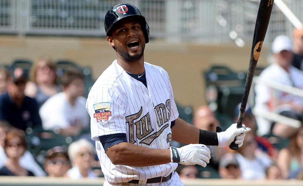 ". 4. (tie) AARON HICKS <p>Finally admits that, if you can�t hit left-handed, you�re only a switch-swinger. (unranked) <p><b><a href=\'http://www.twincities.com/twins/ci_25838247/minnesota-twins-outfielder-aaron-hicks-ditches-switch-hitting\' target=""_blank\""> LINK </a></b> <p>   (Pioneer Press: John Autey)"
