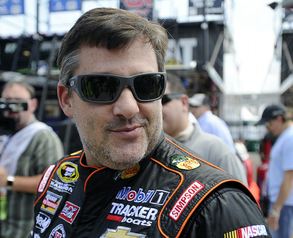 ". 3. (tie) TONY STEWART <p>Probably should have opted for a longer mourning period. (unranked) </p><p><b><a href=""http://www.twincities.com/breakingnews/ci_26425638/stewart-return-competition-sunday\"" target=\""_blank\""> LINK </a></b> </p><p>    (AP Photo/John Bazemore)</p>"