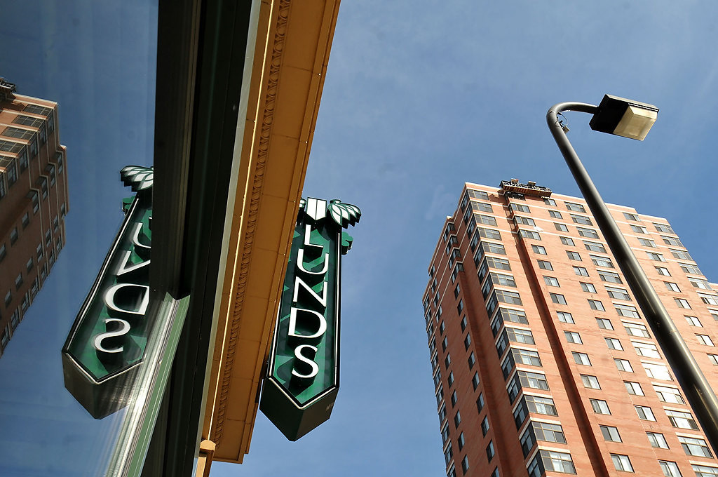 . The Minneapolis downtown Lunds. (Pioneer Press: John Doman)