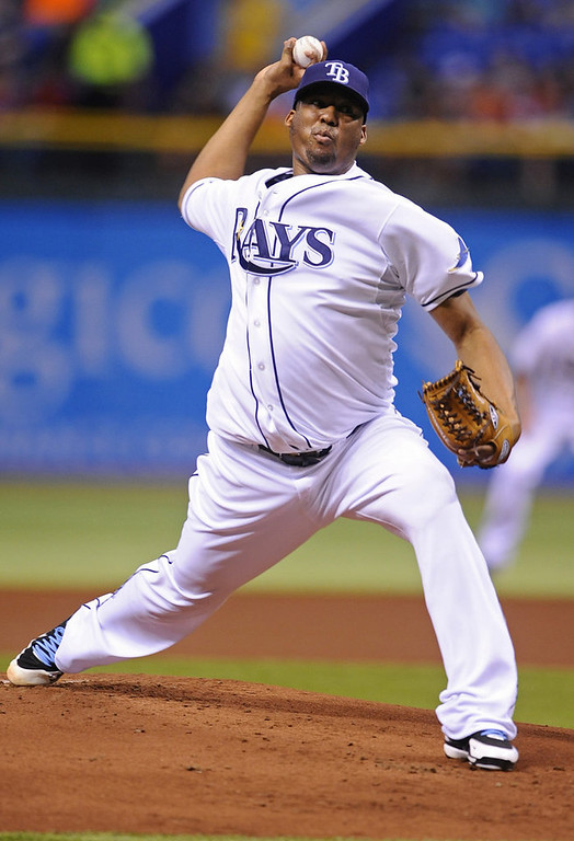 . Tampa Bay Rays starting pitcher Roberto Hernandez delivers to the Minnesota Twins during the first inning. (AP Photo/Brian Blanco)