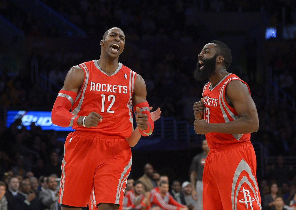 """. <p>8. (tie) DWIGHT HOWARD <p>As usual when he�s in Staples Center, the Lakers lose. (unranked) <p><b><a href=\'http://nba.si.com/2014/02/20/dwight-howard-rockets-lakers-mock-chants/\' target=\""""_blank\""""> HUH?</a></b> <p>   (AP Photo/Mark J. Terrill)"""