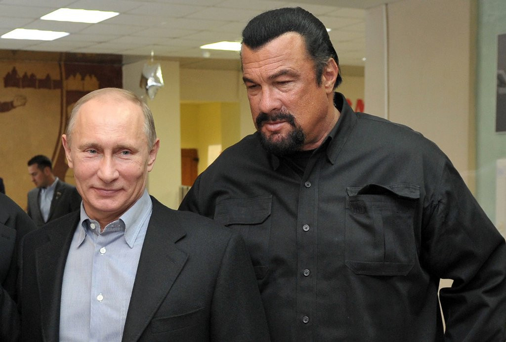 """. <p>10. (tie) STEVEN SEAGAL  <p>He loves him some Putin! (unranked) <p><b><a href=\'http://www.thewire.com/global/2014/03/steven-seagal-loves-putin-and-might-become-a-russian-citizen-because-of-ukraine/359792/\' target=\""""_blank\""""> HUH?</a></b> <p>    (Alexei Nikolsky/AFP/Getty Images)"""
