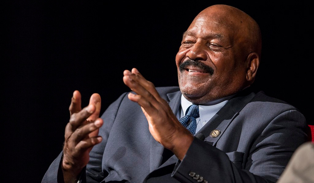 """. <p><b> Pro football hall of famer Jim Brown is back in the news, revealing that his 1964 NFL championship ring was � </b> <p> A. Stolen <p> B. Lost <p> C. Broken on the jaw of his lady friend during a 1985 brawl <p><b><a href=\'http://www.twincities.com/vikings/ci_26110562/jim-brown-considering-legal-action-get-nfl-championship\' target=\""""_blank\"""">LINK</a></b> <p>    (Ricardo B. Brazziell-Pool/Getty Images)"""
