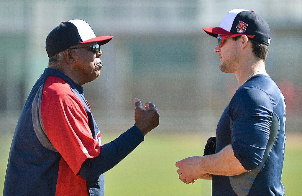 . Twins outfielder Josh Willingham, right, chats with former Twins great and spring training coach Tony Oliva. (Pioneer Press: Ben Garvin)