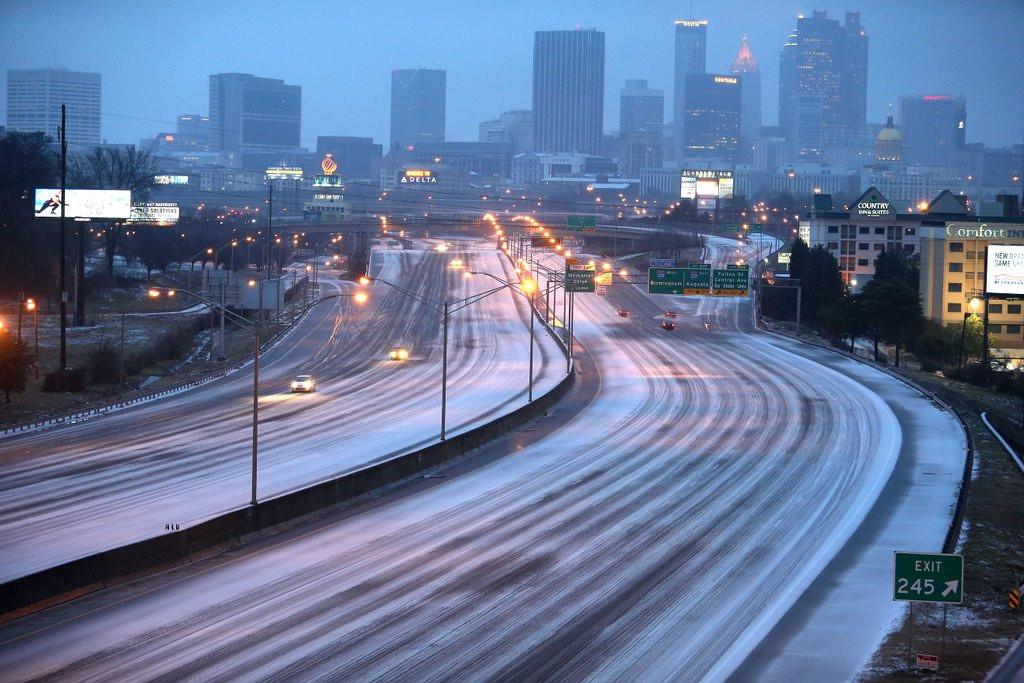 ". <p>2. ATLANTA <p>Catastrophic? Puh-leeze! (2) <p><b><a href=\'http://www.twincities.com/national/ci_25100159/atlanta-deep-south-brace-snow-ice\' target=\""_blank\""> HUH?</a></b> <p>    (AP Photo/Atlanta Journal-Constitution, Ben Gray)"