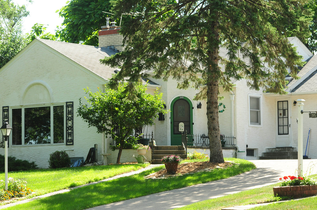 """. Carol  Mladek is opening up her home, the \""""Forsythe House\"""" named after Dr. Robert Forsythe, the first owner, in the historic \""""Pill Hill\"""" section of South St. Paul."""