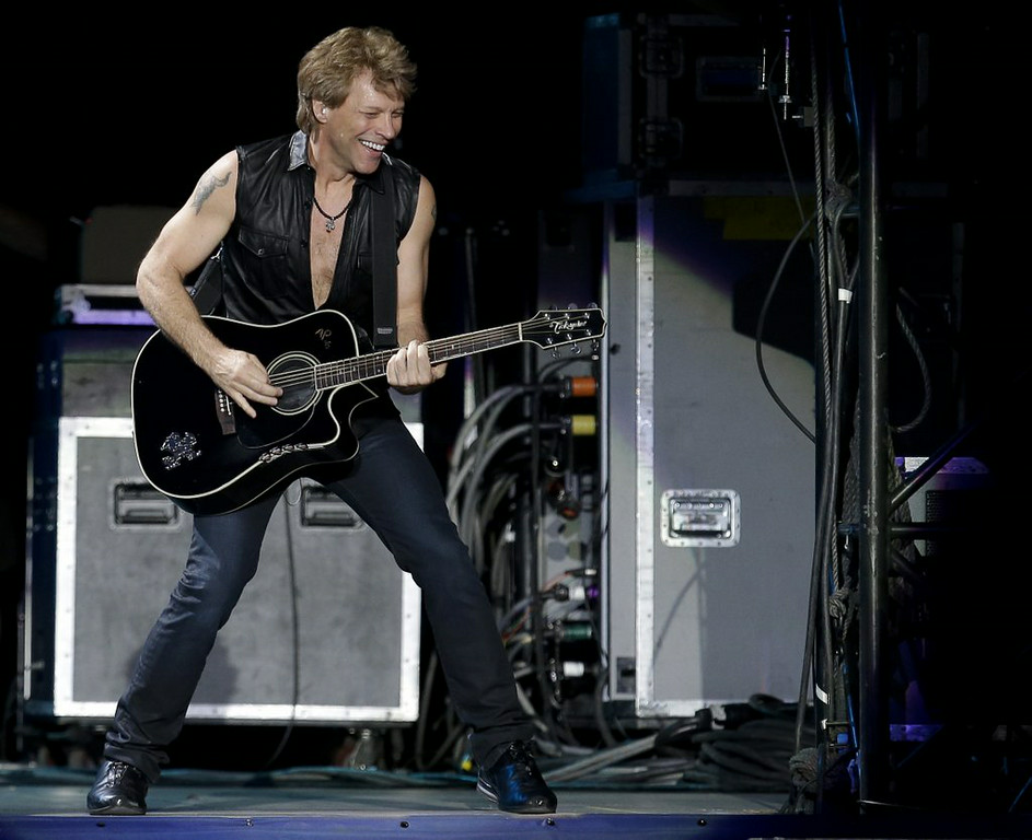 """. <p><b> A Canadian group led by New Jersey rock star Jon Bon Jovi wants to buy the Buffalo Bills, with the intention of having them play all of their games in � </b> </p><p> A. Buffalo </p><p> B. Toronto </p><p> C. Arena Football League </p><p><b><a href=\""""http://blogs.canoe.ca/krykslants/nfl/toronto-bid-group-now-vowing-to-keep-bills-in-buffalo-sources/\"""" target=\""""_blank\"""">LINK</a></b> </p><p>   (AP Photo/Armando Franca)</p>"""