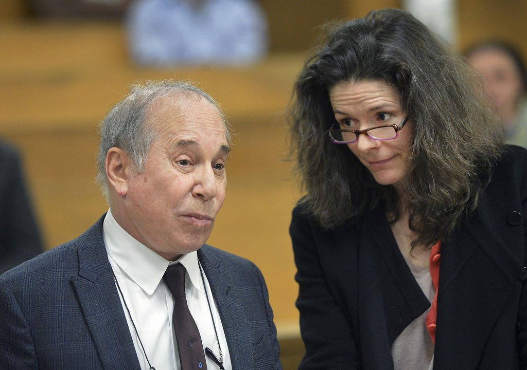 ". <p><b> Paul Simon and wife Edie Brickell were arrested Saturday night after a domestic dispute at their Connecticut home. According to a statement from their lawyer, the fight was started by � </b> <p> A. Edie <p> B. Paul <p> C. Artie <p><b><a href=\'http://www.twincities.com/nation/ci_25652250/paul-simon-edie-brickell-arrested-connecticut\' target=""_blank\""> LINK </a></b> <p>    (AP Photo/The Hour, Alex von Kleydorff, Pool)"