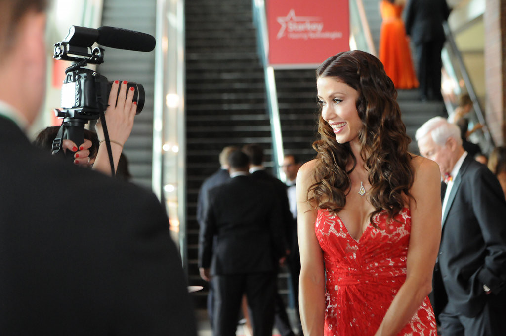 ". Shannon Elizabeth got involved with Starkey after the foundation outfitted here dad with a hearing aid. ""They\'re angels on earth. ... He heard things he hadn\'t heard in 20 years,\"" said the actress-model wearing a dress by Dalia. (Pioneer Press: Ginger Pinson)"