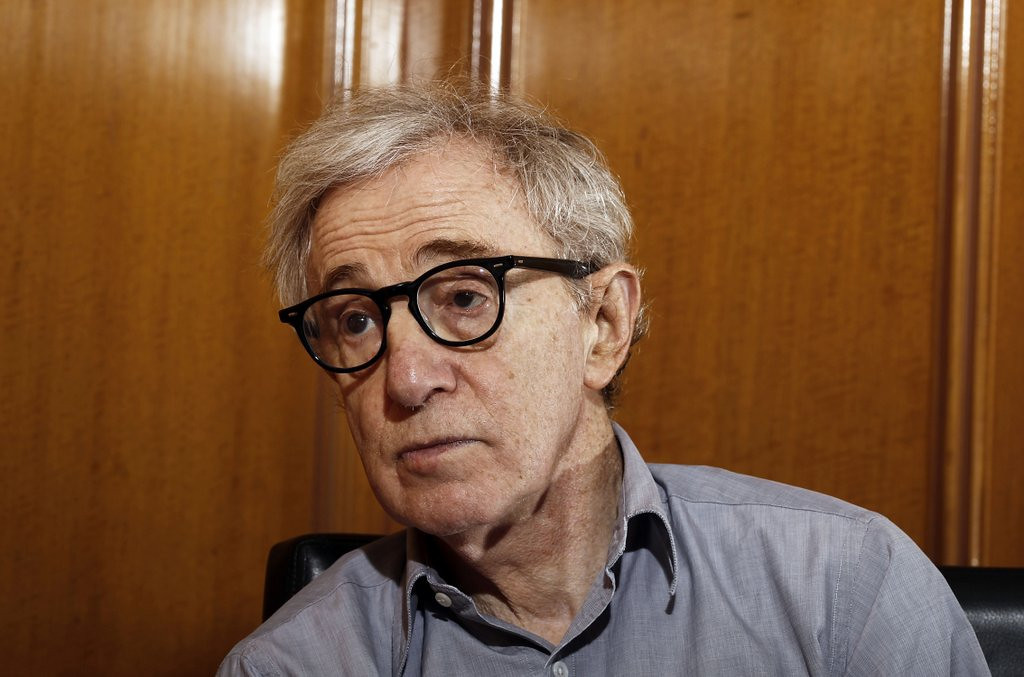 """. <p>3. (tie) WOODY ALLEN <p>Even after 20 years, his story STILL has some holes. (unranked) <p><b><a href=\'http://www.twincities.com/breakingnews/ci_25098306/what-happens-next-woody-allen-sex-abuse-allegations\' target=\""""_blank\""""> HUH?</a></b> <p>   (AP Photo/Matt Sayles, File)"""