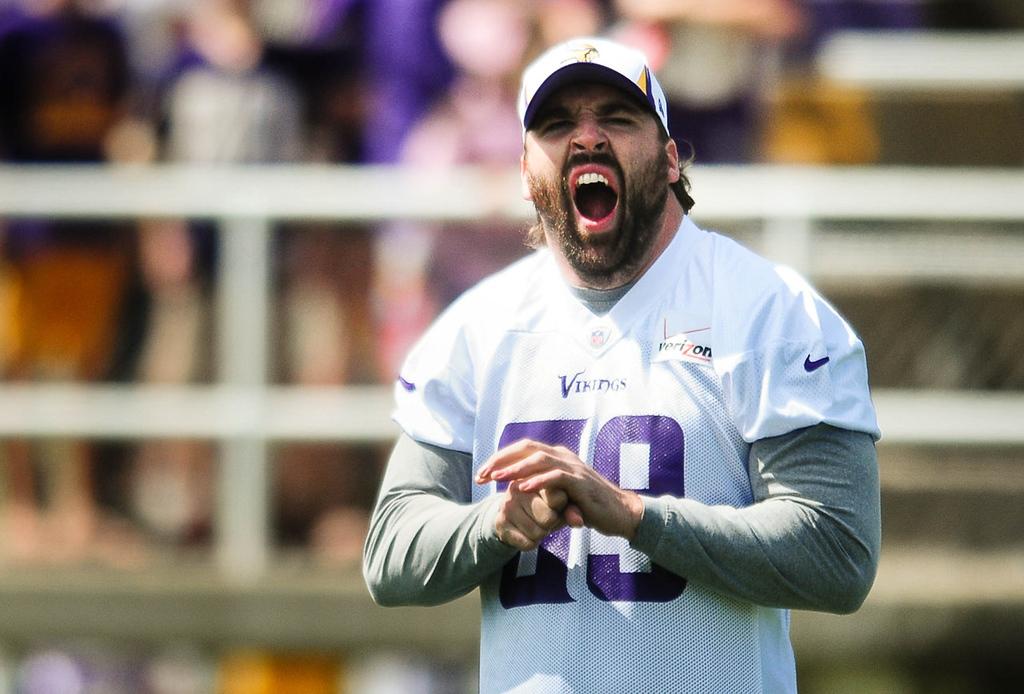 . Minnesota Vikings defensive end Jared Allen yawns during a morning walk-through. (Pioneer Press: Ben Garvin)