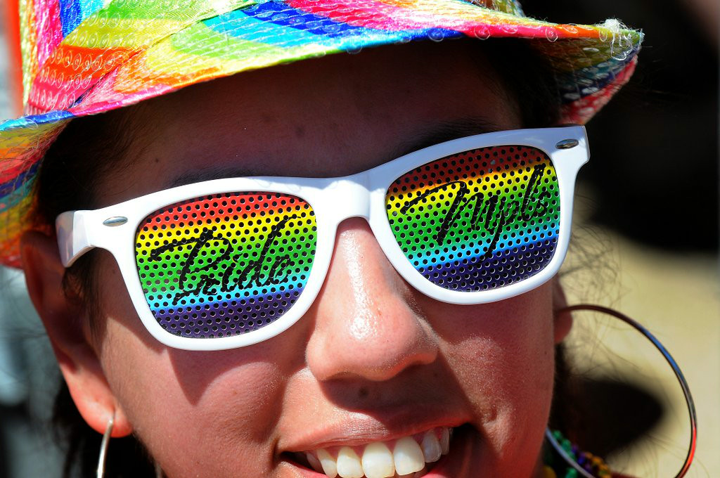 """. <p><b> A new survey by the Centers for Disease Control finds that only 2.3 percent of Americans identify themselves as � </b> </p><p> A. Gay or bisexual </p><p> B. Colorblind </p><p> C. Gainfully employed </p><p><b><a href=\""""http://www.usatoday.com/story/news/nation/2014/07/15/gay-lesbian-bisexual-cdc-survey/12671717/\"""" target=\""""_blank\"""">LINK</a></b> </p><p>   (Pioneer Press: Sherri LaRose-Chiglo)</p>"""
