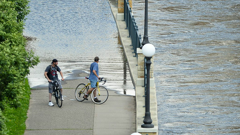 """. 3. FLOODS <p>Still one of our least favorite natural disasters. Yuck. <p><b><a href=\'http://www.twincities.com/localnews/ci_26067081/minnesota-flood-damage-assessment-starts-4-counties\' target=\""""_blank\""""> LINK </a></b> <p>   (Pioneer Press: Ben Garvin)"""