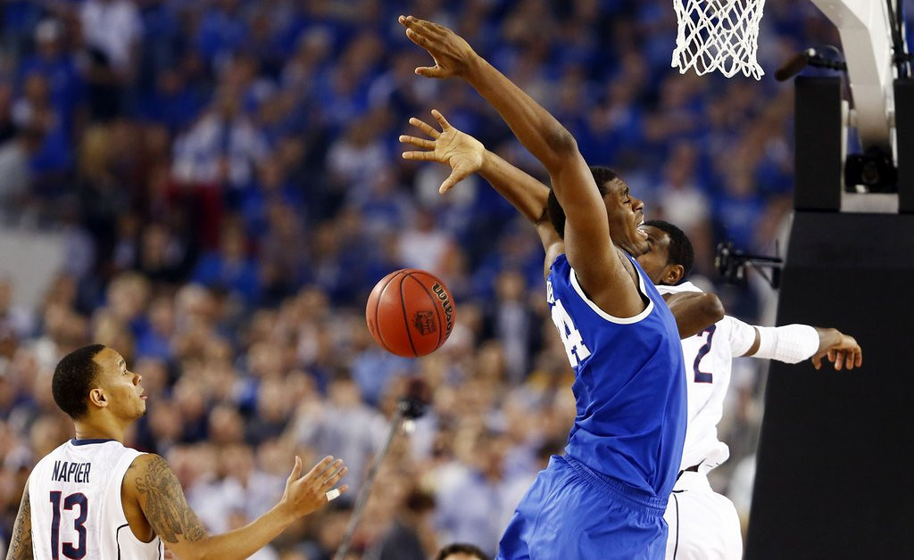 """. <p>2. KENTUCKY WILDCATS   <p>Fab freshmen will still be treated as heroes in class, if they should accidentally stumble into one. (unranked) <p><b><a href=\'http://espn.go.com/mens-college-basketball/story/_/id/10740125/ncaa-officials-john-calipari-kentucky-wildcats-oppose-one-done-rule\' target=\""""_blank\""""> HUH?</a></b> <p>    (Vernon Bryant/Dallas Morning News/MCT)"""
