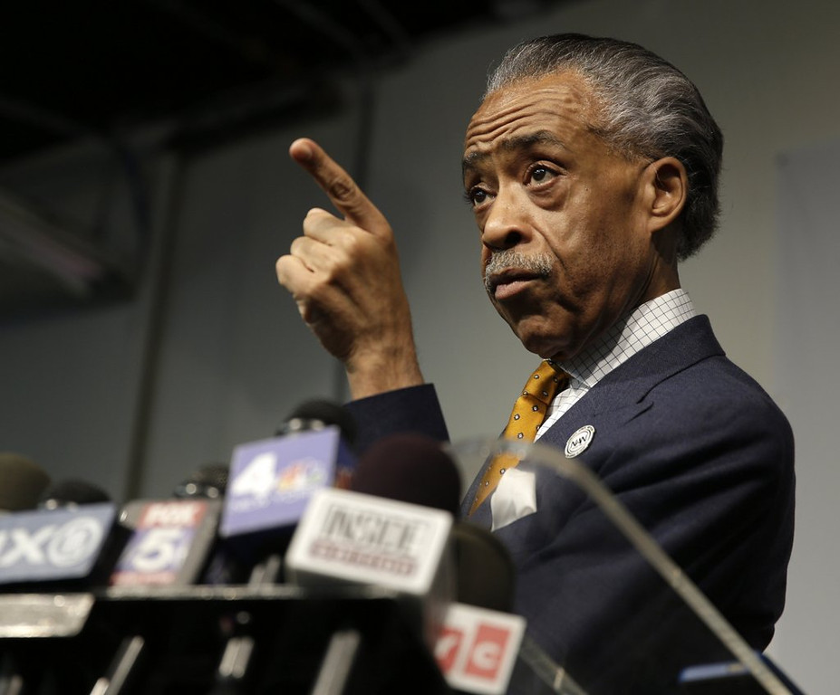 """. <p>6. (tie) AL SHARPTON <p> His revisionist history of his FBI dealings conveniently omits the word �cocaine.� (6) <p><b><a href=\'http://www.thesmokinggun.com/documents/Al-Sharpton-918273\' target=\""""_blank\""""> HUH?</a></b> <p>    (AP Photo/Seth Wenig)"""