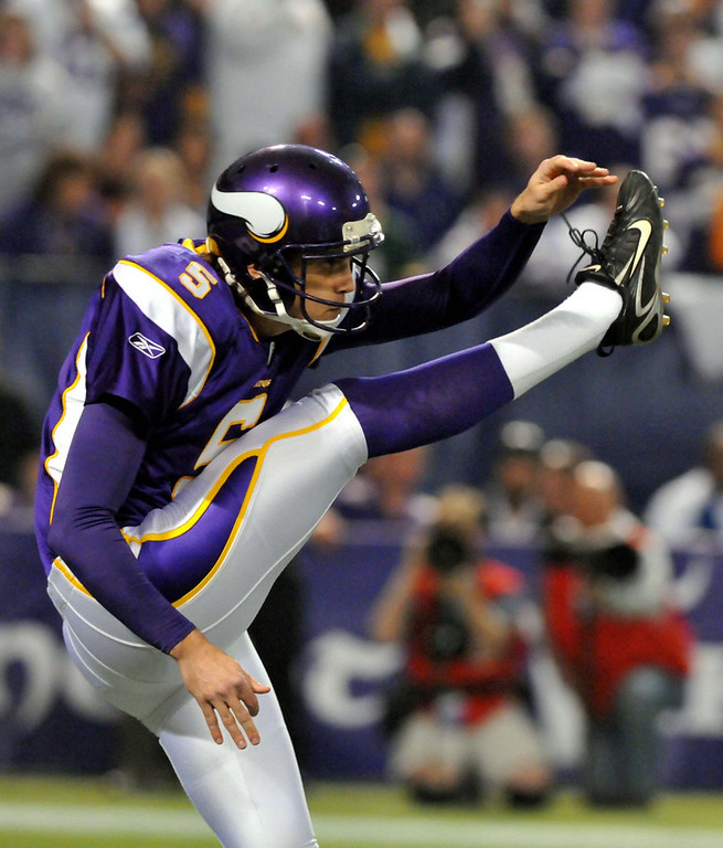 . Minnesota Vikings punter Chris Kluwe punts during the third quarter against the Dallas Cowboys at the Metrodome in Minneapolis on Sunday, Jan. 17, 2010. (Pioneer Press: John Doman)