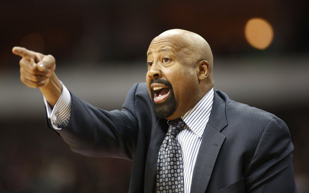 ". <p>9. MIKE WOODSON <p>Now has something in common with Phil Jackson: Neither of them will be coaching Knicks next season. (unranked) <p><b><a href=\'http://www.twincities.com/sports/ci_25607284/new-york-knicks-phil-jackson-fires-coach-mike\' target=""_blank\""> LINK </a></b> <p>    (AP Photo/Sharon Ellman)"