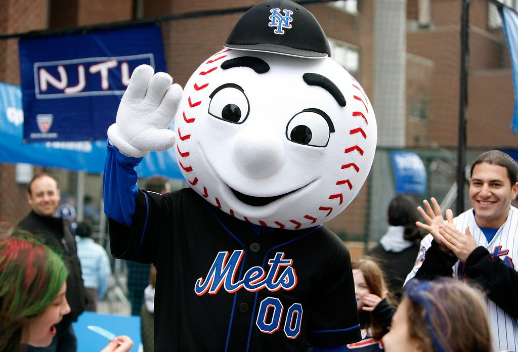 ". <p>10. (tie) MR. MET <p>Once threatened by Secret Service with a �kill shot,� which we�re guessing would be anything between the seams. (previous ranking: unranked) <p><b><a href=\'http://www.nydailynews.com/new-york/book-secret-service-threatened-shoot-mr-met-article-1.1759645\' target=""_blank\""> HUH?</a></b> <p>    (Amy Sussman/Getty Images for Tribeca Film Festival)"