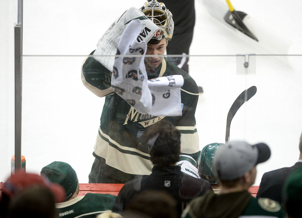 . Minnesota Wild Goalie Darcy Kuemper takes a break during a timeout along the benches during the third period.  (Pioneer Press: Sherri LaRose-Chiglo)