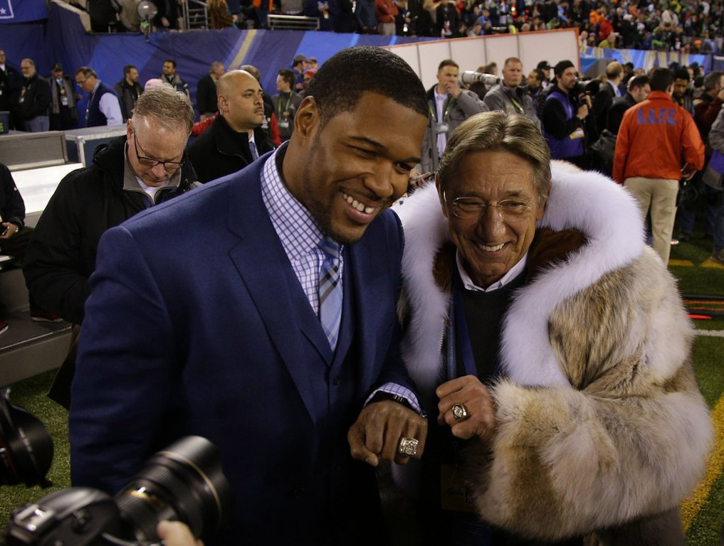 """. <p><b> Television history was made Sunday night when a record 111,500,000 viewers � </b> <p> A. Watched the Super Bowl <p> B. Saw Prince�s appearance on �New Girl� <p> C. Said in unison �What the hell is Joe Namath wearing?� <p><b><a href=\'http://www.twincities.com/breakingnews/ci_25053018/ratings-another-record-super-bowl\' target=\""""_blank\"""">HUH?</a></b> <p>   (Mark Cornelison/Lexington Herald-Leader/MCT)"""