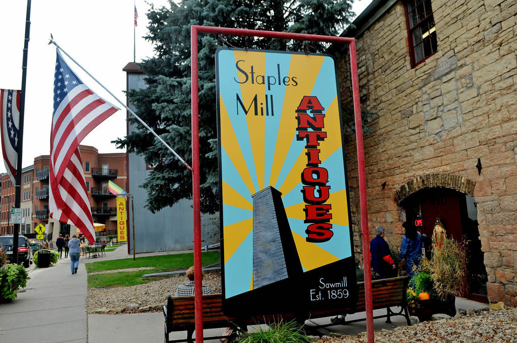 . On the northern end of downtown, the multi-story Staples Mill Antiques offers a maze of flashback finds.  (Pioneer Press: Jean Pieri)