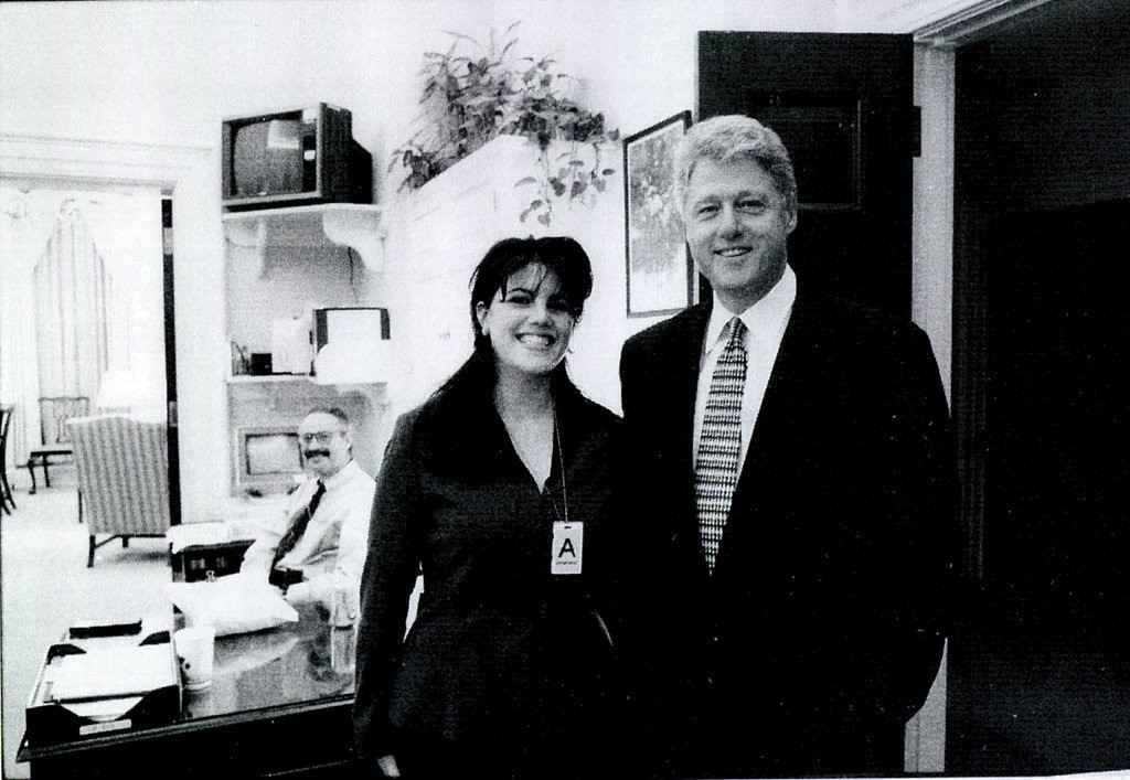 """. <p><b><a href=\'http://www.huffingtonpost.com/2013/08/01/monica-lewinsky-sex-tape-national-enquirer_n_3691061.html\' target=\""""_blank\""""> The National Enquirer claims to have unearthed a secret sex tape in which former President Bill Clinton is shockingly seduced by � </a></b> <p> <b>A. Monica Lewinsky </b> <p><b> B. Paula Jones </b> <p> <b>C. Hillary Clinton </b> <p> --------------------------------------------   (File photo)"""