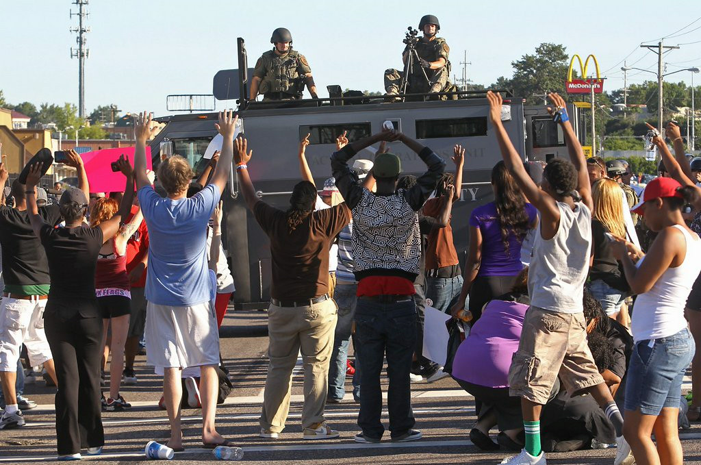 """. 5. (tie) FERGUSON (MO.) POLICE <p>Tanks? Seriously? (unranked) </p><p><b><a href=\""""http://www.cnn.com/2014/08/13/us/missouri-teen-shooting/index.html\"""" target=\""""_blank\""""> LINK </a></b> </p><p>    (AP Photo/St. Louis Post-Dispatch, J.B. Forbes)</p>"""