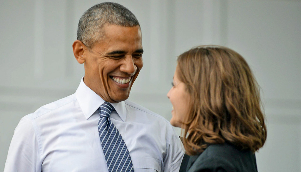 . President Barack Obama thanks Rebekah Erler, a 36-year-old working wife and mother from St. Anthony, for introducing him before delivering his speech. (Pioneer Press: Ben Garvin)
