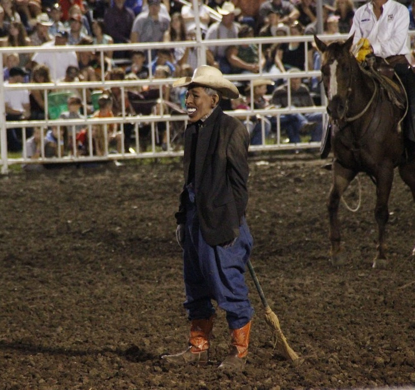 """. <p>6. RODEO CLOWNS  <p>Apparently, it�s now illegal for a clown to impersonate a fellow clown. (3) <p><b><a href=\'http://www.slate.com/blogs/weigel/2013/08/15/in_defense_of_tuffy_gessling_the_obama_rodeo_clown.html\' target=\""""_blank\""""> HUH?</a></b> <p>   (AP Photo/Jameson Hsieh)"""