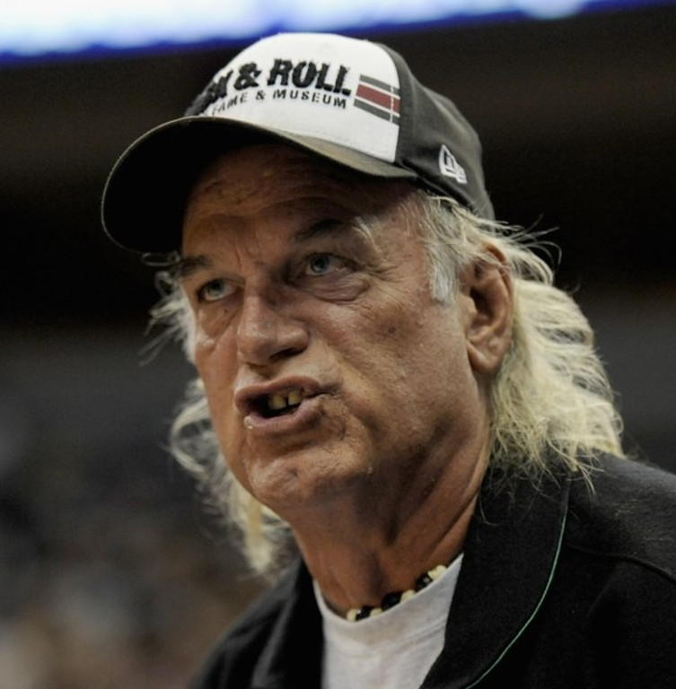 ". <p>6. JESSE VENTURA <p>Thrilled that more Washington politicians are now digging down to his level. (unranked) <p><b><a href=\'http://www.tmz.com/2013/10/02/jesse-ventura-government-shutdown-taxes/\' target=""_blank\""> HUH?</a></b> <p>    (Hannah Foslien/Getty Images)"