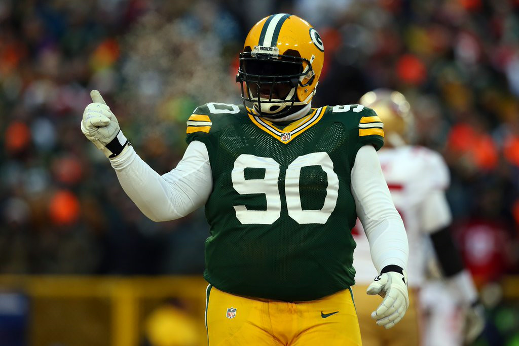 """. 9. B.J. RAJI <p>So much for that improved Packers defense ... (unranked) </p><p><b><a href=\""""http://www.jsonline.com/blogs/sports/272419761.html\"""" target=\""""_blank\""""> LINK </a></b> </p><p>    (Ronald Martinez/Getty Images)</p>"""