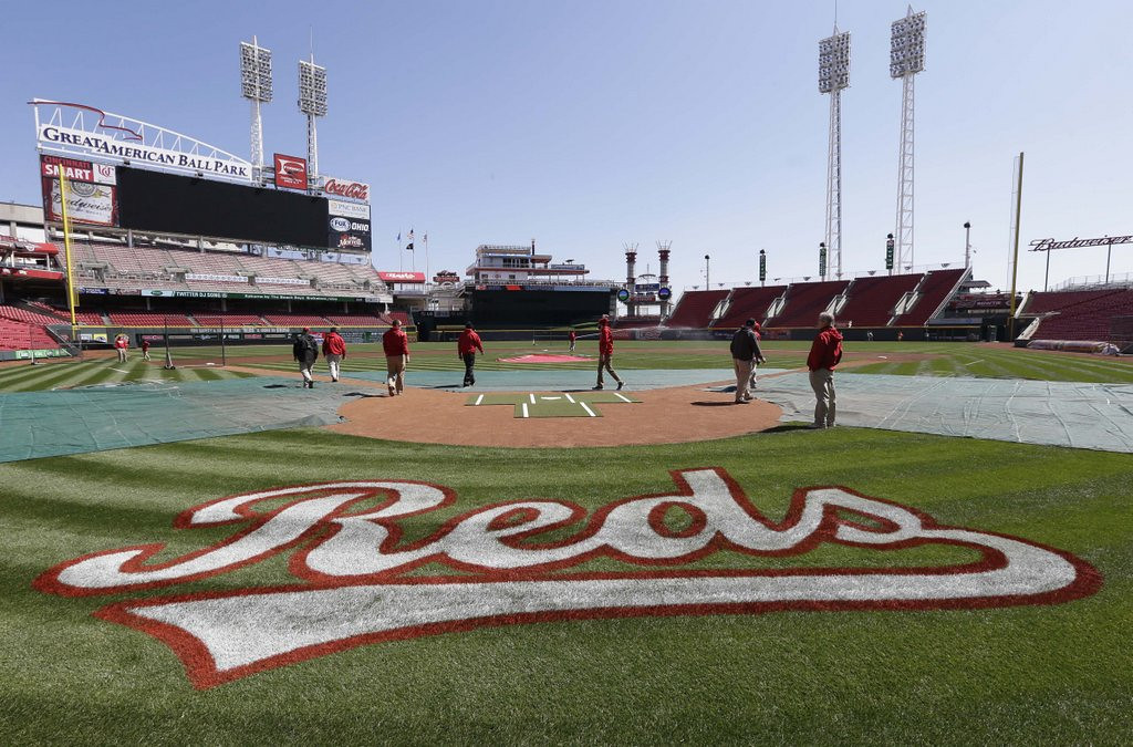 """. <p>5. OPENING DAY <p>If today�s supposed to be Opening Day, then why have the Dodgers played three games already? (unranked) <p><b><a href=\'http://www.ksdk.com/story/sports/mlb/cardinals/2014/03/28/white-house-rejects-white-house-opening-day-petition/7038517/\' target=\""""_blank\""""> HUH?</a></b> <p>   (AP Photo/Al Behrman)"""