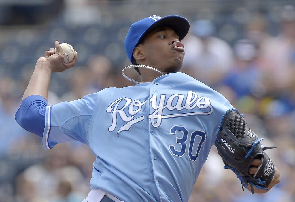 . Kansas City Royals starting pitcher Yordano Ventura (30) throws in the first inning against the Minnesota Twins. (John Sleezer/Kansas City Star/MCT)