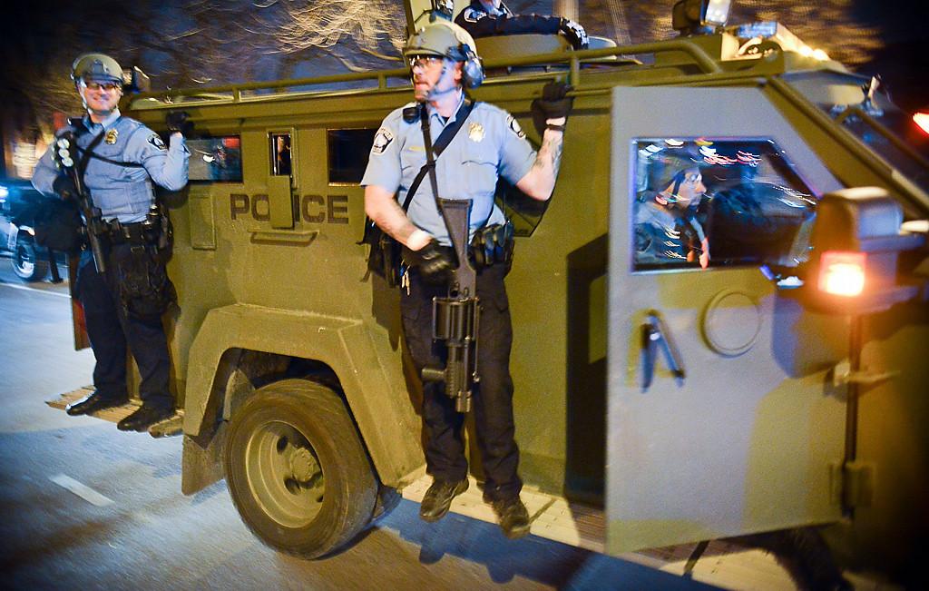 . Police patrol the streets of Dinkytown. (Pioneer Press: Ben Garvin)
