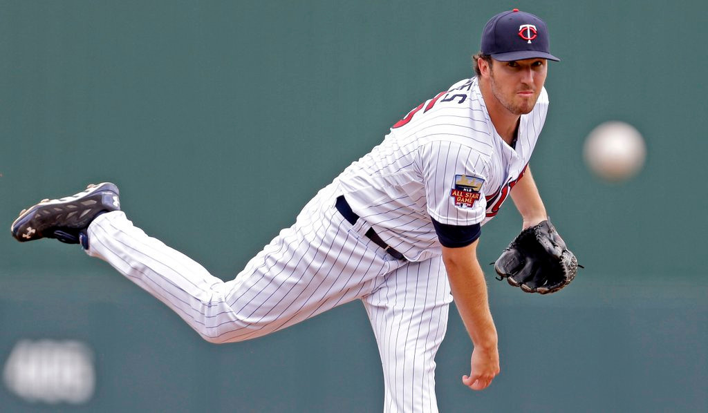 """. <p>3. PHIL HUGHES <p>Successful hurlers usually don�t wait until their 30th pitch to record their first out. Just sayin�. (unranked) <p><b><a href=\'http://www.twincities.com/sports/ci_25531685/athletics-outlast-twins-7-4-11th-inning-homer\' target=\""""_blank\""""> HUH?</a></b> <p>    (AP Photo/Gerald Herbert)"""