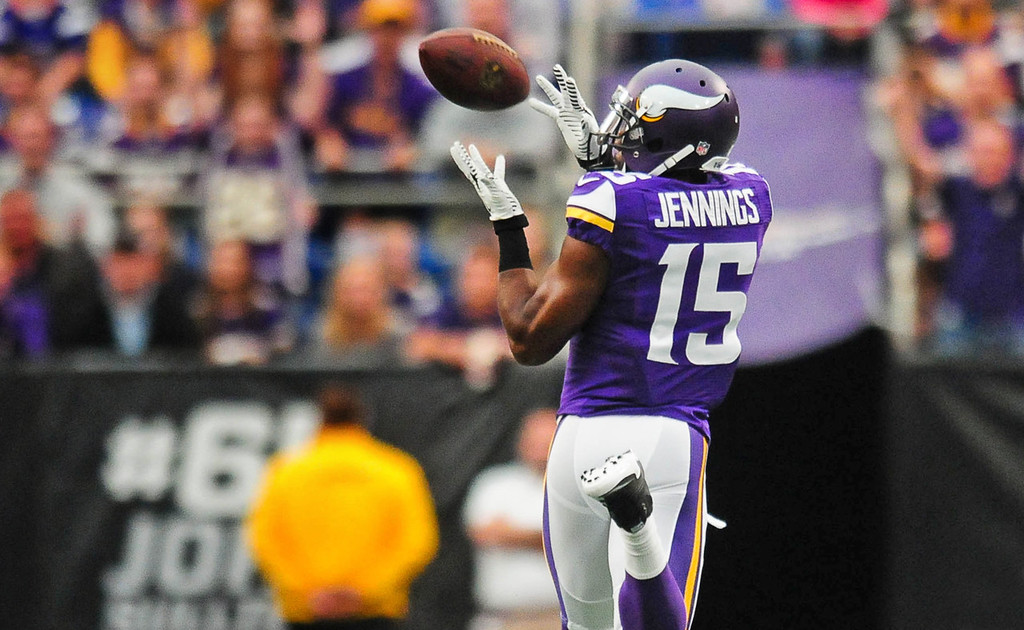 . Vikings wide receiver Greg Jennings makes a 27-yard catch in the first quarter against the Browns.  (Pioneer Press: Ben Garvin)