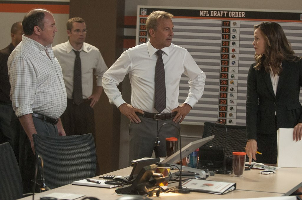 """. <p>5. �DRAFT DAY� <p>You liked this movie much better when it had Brad Pitt and was called �Moneyball.� (unranked) <p><b><a href=\'http://dfm.twincities.com/article/draft-day-a-team-without-much-chemistry/044a7a7969f5c3b16f6a6cd5c60ff6e8\' target=\""""_blank\""""> HUH?</a></b> <p>    (AP Photo/Summit Entertainment, Dale Robinette)"""