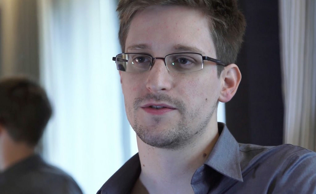 ". 4. (tie) EDWARD SNOWDEN <p>Leaky guy spending three more years in Putin�s tender embrace. (unranked) </p><p><b><a href=""http://www.twincities.com/breakingnews/ci_26291879/lawyer-snowden-get-3-more-years-russia\"" target=\""_blank\""> LINK </a></b> </p><p>    (AP Photo/The Guardian, Glenn Greenwald and Laura Poitras)</p>"