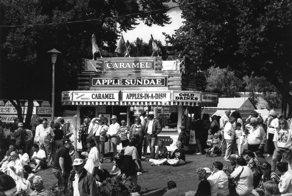 . Exterior of the caramel apple sundae stand at the 1994 Minnesota State Fair. Photo courtesy of the Minnesota State Fair.