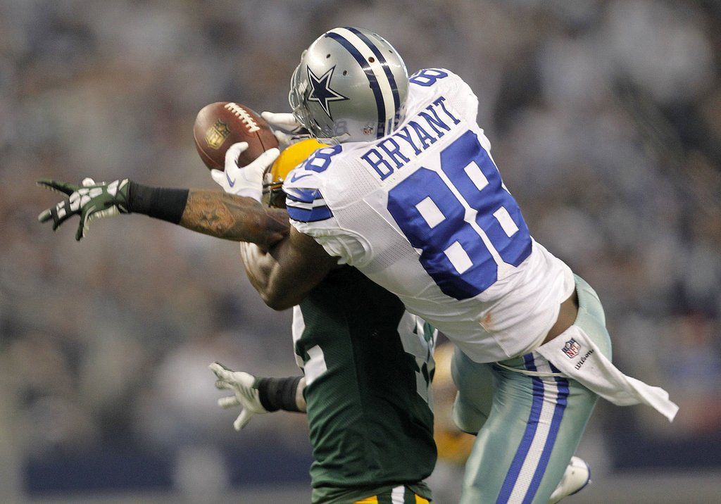 . <p><b> Cowboys at Redskins (+3):</b>  <p>Dez Bryant apologized to his Dallas teammates after walking off the field before the end of their shocking loss to Green Bay on Sunday. Critics said his actions were almost as indefensible as the offenses that riddle the Cowboys every week. <p>Pick: <b>Redskins by 4</b> <p>   (Ron Jenkins/Fort Worth Star-Telegram/MCT)