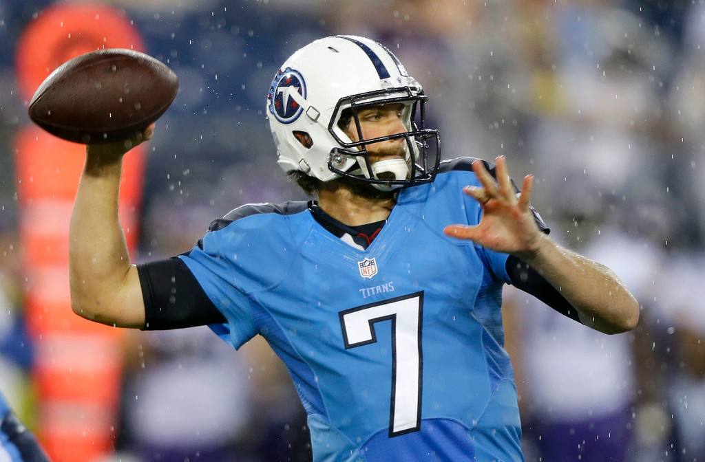 . Tennessee Titans quarterback Zach Mettenberger passes against the Minnesota Vikings in the first quarter. (AP Photo/Wade Payne)