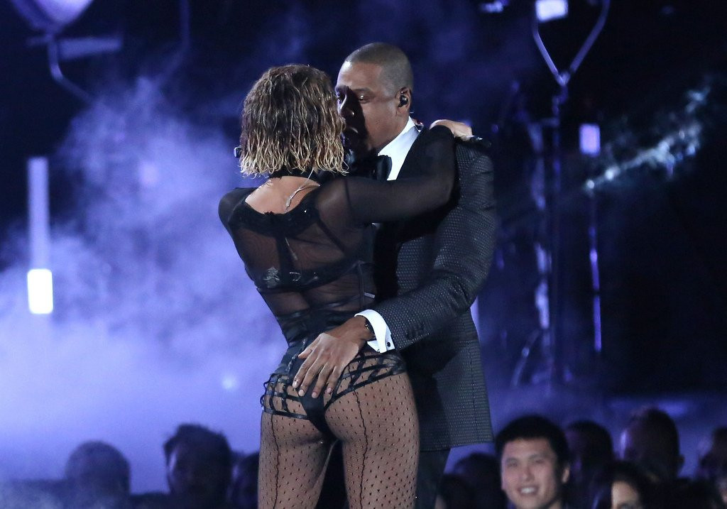 """. <p>3. (tie) BEYONCE & JAY-Z <p>Tasteful Grammy number choreographed by Miley Cyrus and the Kardashians. (1) <p><b><a href=\'http://nypost.com/2014/01/26/musics-power-couple-beyonce-jay-z-open-grammys-with-sexy-serenade/\' target=\""""_blank\""""> HUH?</a></b> <p>   (Matt Sayles/Invision/AP)"""