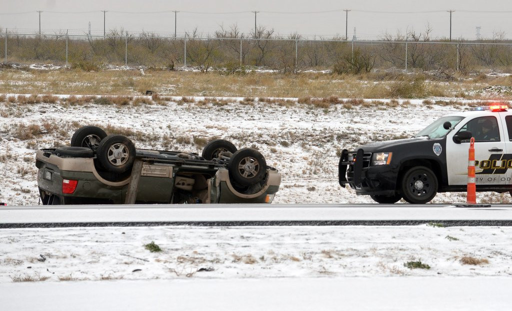 """. <p>1. �BULLETPROOF ICE� <p>Here�s an idea: Next time, try plowing the ice off the highways BEFORE it becomes bulletproof. (unranked) <p><b><a href=\'http://www.kare11.com/news/article/1048123/80/Cold-weather-complicates-plowing\' target=\""""_blank\""""> HUH?</a></b> <p>   <p>OTHERS RECEIVING VOTES <p> Aron Ralston, George Steinbrenner & Marvin Miller, Vladimir Putin, Roy Halladay, Tyrann Mathieu�s knee, Bob Filner, Richard Sherman, Oregon Ducks� snowball fights, Texas Bowl, Robinson Cano, snow football, Wendy�s, U.S. men�s soccer team, Northern Illinois Huskies, Gary Kubiak, Shanghai, Merrill Newman, Vladimir Lenin, Shawn Thornton, New York Yankees, Oklahoma State Cowboys, SpaghettiOs� Pearl Harbor tweet, Obamacare, Jameis Winston. <p> <br><p> Kevin Cusick talks fantasy football, and whatever else comes up, with Bob Sansevere and �The Superstar� Mike Morris on Thursdays on Sports Radio 105 The Ticket. Follow him at <a href=\'http://twitter.com/theloopnow\'>twitter.com/theloopnow</a>.    (AP Photo/Odessa American, Mark Sterkel)"""