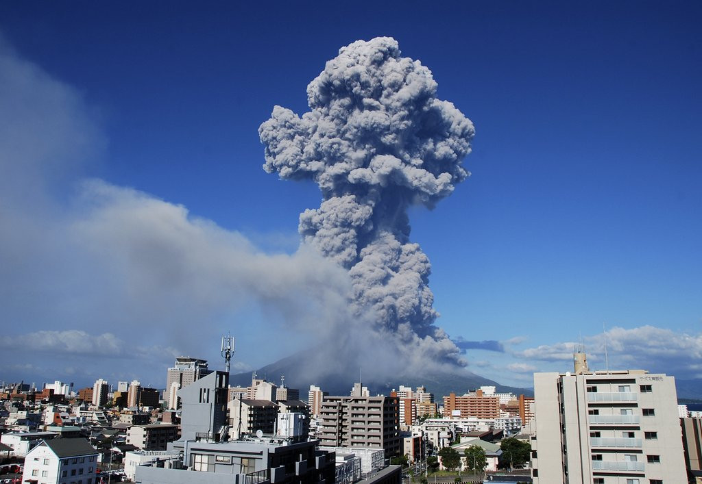 ". <p>6. MOUNT SAKURAJIMA <p>Japan�s least popular movie this week: �Kick Ash Too.� (unranked) <p><b><a href=\'http://www.bbc.co.uk/news/world-asia-23751191\' target=\""_blank\""> HUH?</a></b> <p>    (AP Photo/Kagoshima Local Meteorological Observatory)"