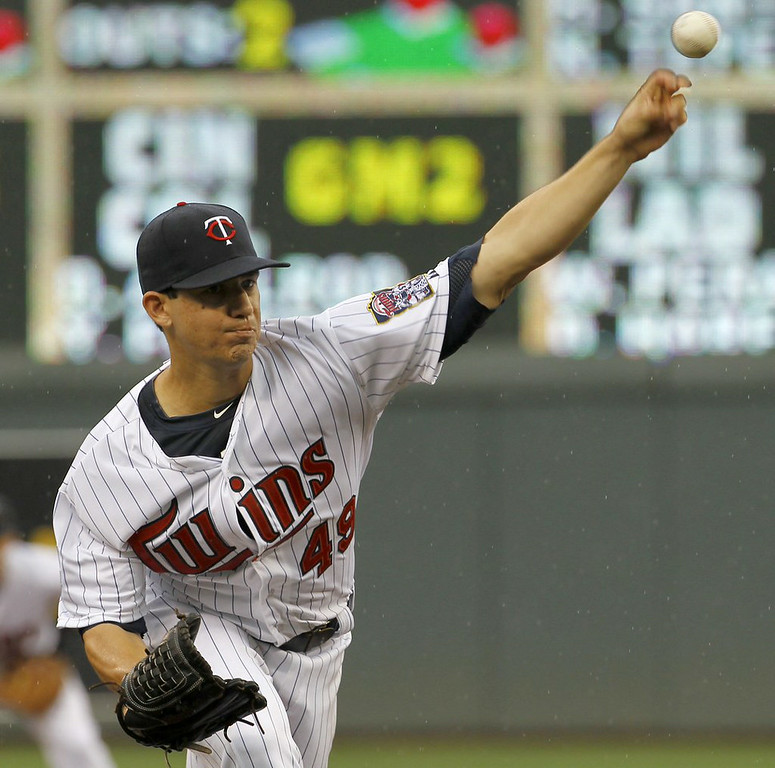 ". 6. (tie) TOMMY MILONE <p>Didn�t take him long to start pitching like a real Twin. (unranked) </p><p><b><a href=""http://www.twincities.com/twins/ci_26354458/royals-12-twins-6-tommy-milone-shelled-career\"" target=\""_blank\""> LINK </a></b> </p><p>   (AP Photo/Ann Heisenfelt)</p>"