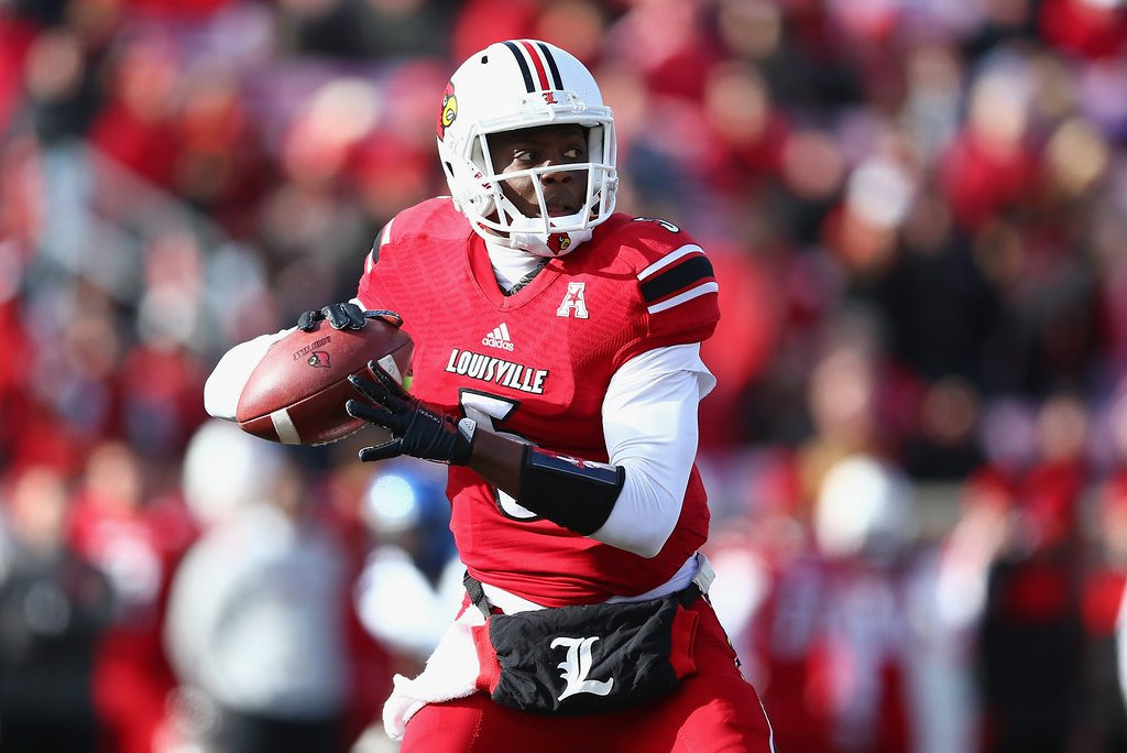 """. <p><b> Louisville�s Teddy Bridgewater had a decidedly mediocre Pro Day workout on Monday, leading to speculation that he might be � </b> <p> A. Available for the Vikings to take with the No. 8 draft pick <p> B. Dropping into the later rounds of the draft <p> C. Mistaken for Jamarcus Russell, Tim Couch and Akili Smith <p><b><a href=\'http://www.twincities.com/sports/ci_25363066/lackluster-pro-day-could-drop-louisville-qb-vikings?source=hottopics\' target=\""""_blank\"""">HUH?</a></b> <p>    (Andy Lyons/Getty Images)"""