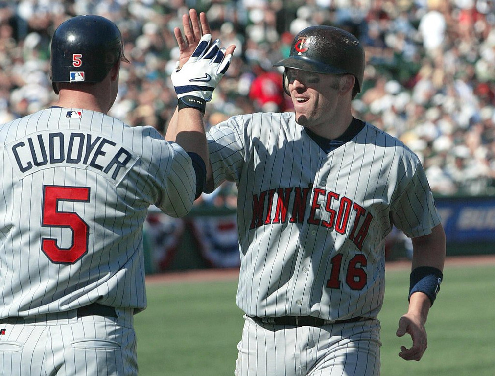 """. <p>7. DOUG MIENTKIEWICZ <p>Twins minor league manager believes brawling shouldn�t be limited to just the players. (unranked) <p><b><a href=\'http://deadspin.com/minor-league-manager-doug-mientkiewicz-started-a-huge-b-1166890514\' target=\""""_blank\""""> HUH?</a></b> <p>     (John G. Mabanglo/AFP/Getty Images)"""